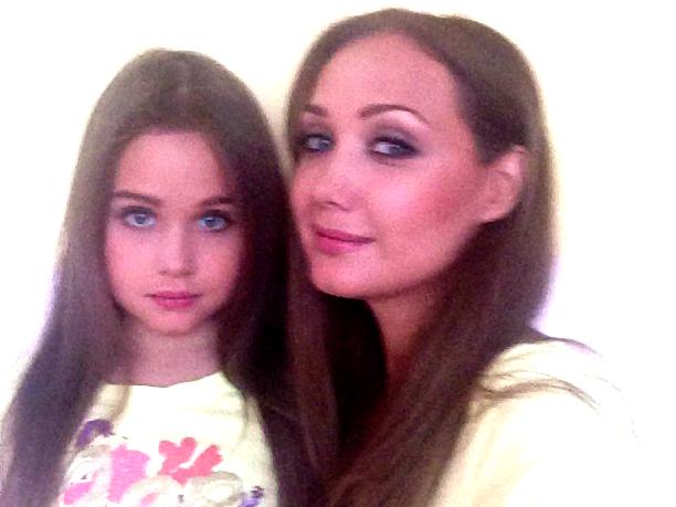 Дочка співачки від Дмитра Костюка, як дві краплі, схожа на маму.