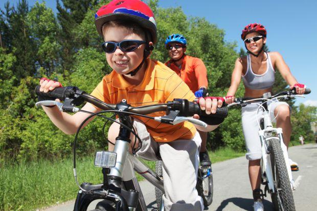 Чим корисний велосипед і чому варто придбати його своєму малюку, а також й собі?