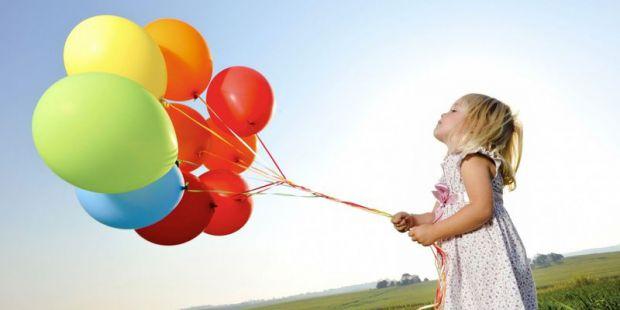 Багато батьків, зіткнувшись з дитячою активністю, нерідко губляться і не знають, що робити. Майже всіх нас в дитинстві змушували придушувати емоції: п