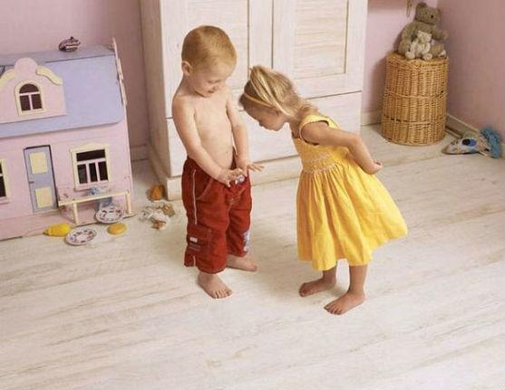 Багато батьків не знають, коли розповідати дитині про