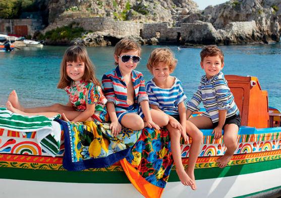 Колекція одягу для дітей від модного бренду.