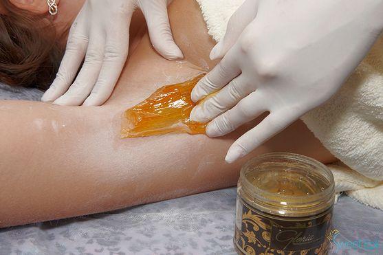 Жінки з давніх часів прагнуть зробити свою шкіру ідеально гладкою і шовковистою, і домагаються цього всіма доступними способами. Сьогодні більшу попу