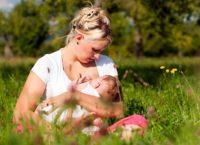 Споры о длительности грудного вскармливания ребенка ведутся с недавнего времени. Народными традициями предписывалось кормление малыша до смены зубов.