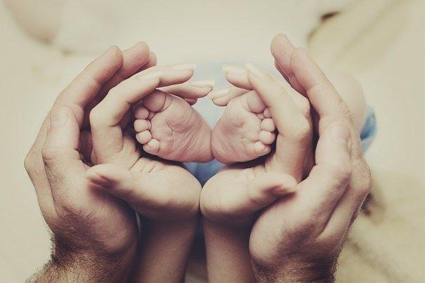 Обираючи для малюка взуття, варто не забувати, що медики  рекомендують дітям у віці 2-3 років міняти взуття на більше, як мінімум, 2-3 рази на рік, а