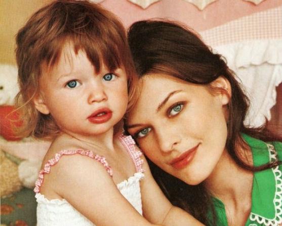 Донька Мілли Йовович і Пола Андерсона - весела та життєрадісна маленька дівчинка. Як же одягають батьки 6-річну Евер Габо?