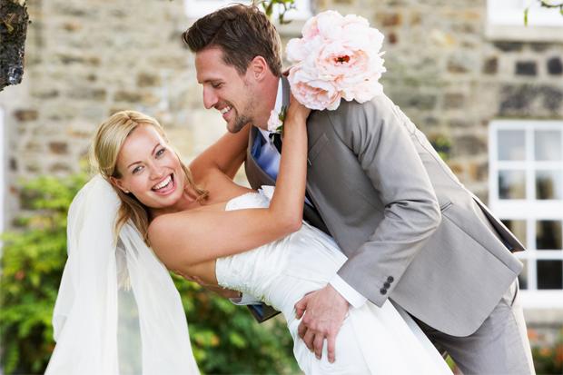 Звичайно, в тому, щоб зачекати зі шлюбом, є свої переваги. Однак, тут є і недоліки.