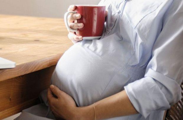 На каву при вагітності - традиційне табу. Але вагітність - дуже специфічний стан організму, і однозначних, універсальних рекомендацій просто не може б