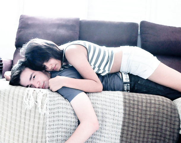 favim_com-bed-boy-and-girl-couple-cuddling-cute-hug-104454.jpg