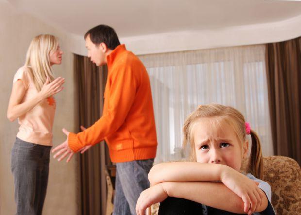 Шлюб ґрунтується на вільній згоді жінки та чоловіка. Примушування жінки та чоловіка до шлюбу не допускається.