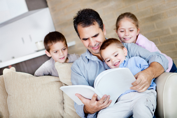Незважаючи на те, що всі татусі хочуть бути супергероями для своїх дітей, вони нерідко роблять помилки. В яких випадках все йде не так, як потрібно.
