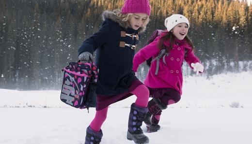 Вот уже наступил последний месяц осени, и пора бы уже задуматься о покупке зимней обуви для своего ребенка. Сегодня, на прилавках любого обувного мага