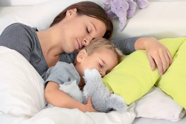 Насправді, з народженням дитини матусі стають частіше хворіти. Повідомляє сайт Наша мама.
