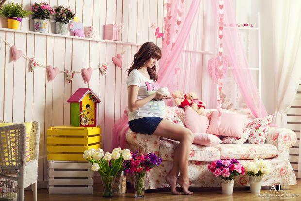 Головне правило для вагітних - їсти потроху, але часто. Залишатися без сніданку зранку і наїдатися на ніч категорично не можна.Харчування має бути баг