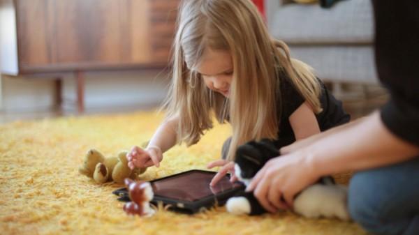 Сучасний світ сучасних дорослих і дітей практично неможливо уявити без різних гаджетів. Діти моментально освоюють смартфони та планшети і з задоволенн
