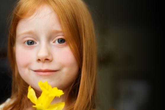 Батьки часто думають про те, якого ж кольору буде волосся у їхнього малюка, який невдовзі має народитися. Але чи можна вгадати усе про шевелюру своєї