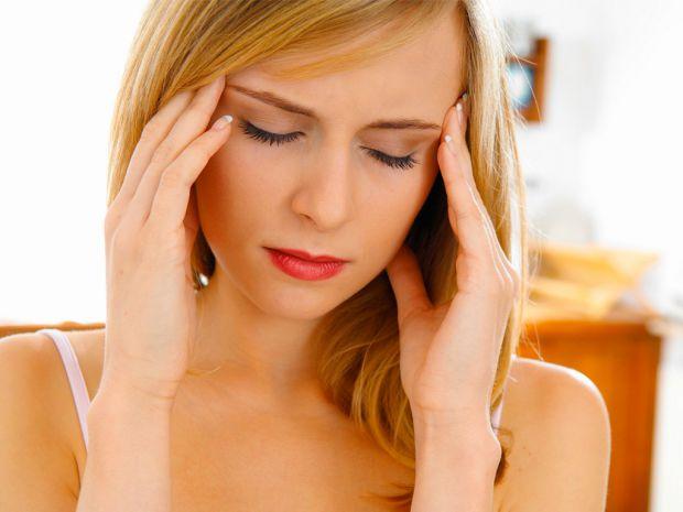 Багато людей стикаються з сильним головним болем. Які найпоширеніші причини виникнення цього болю? Про це поговоримо далі.