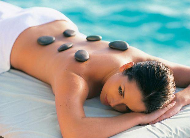 На Сході не сумніваються в ефективності лікування гарячим камінням. Дізнаймося, наскільки такий масаж актуальний для сучасної людини і які його протип