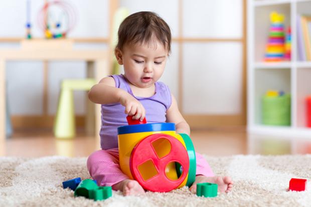 Методик раннього розвитку багато, всі вони, по суті, переслідують ті ж цілі, що і кожен люблячий батько. Ось тільки йдуть вони до цієї мети різними шл