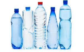 Бутильована вода зовсім позбавлена корисних властивостей, впевнено заявляють вчені після проведення ряду експериментів. Більше того, во