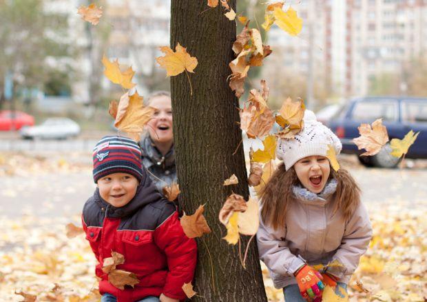 Маленькі дітки дуже вразливі до вітрів і морозів. Як вберегти чадо від негативних наслідків впливу холодного вітру?