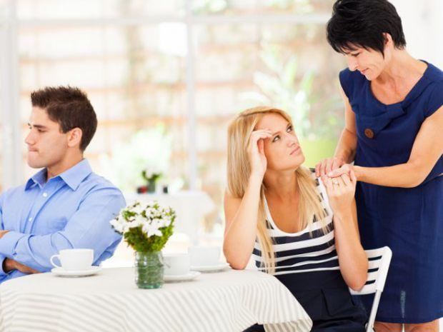 Експерти з університету Ессекс провели ряд тестів тестів, після чого їм вдалося встановити взаємозв'язок між жінками і їх мамами. Виявилося, що жінки,
