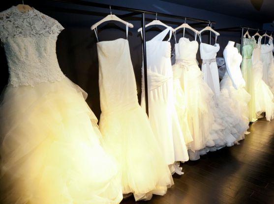 Побачивши одного разу на екрані героїню улюбленого серіалу в такій весільній сукні, мільйонам дівчат завмерло серце. У них з'явилась ще одна мрія - ма