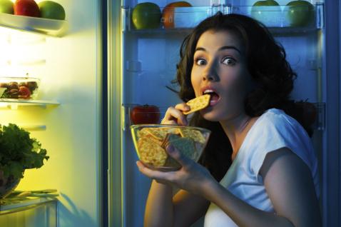 Відомо, що охочим схуднути категорично забороняється вечеряти після 18-ї години. Однак така жертва зовсім не обов'язкова – вечеря може бути «безпечною
