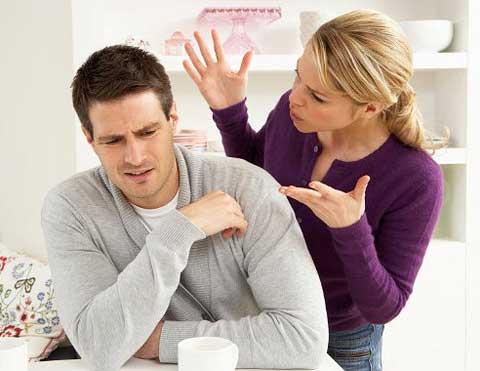 Подружнє життя - це справжнє поле бою, де існують свої правила та закони. Як врятувати своє кохання і стати щасливою людиною? Головне - не робити поми