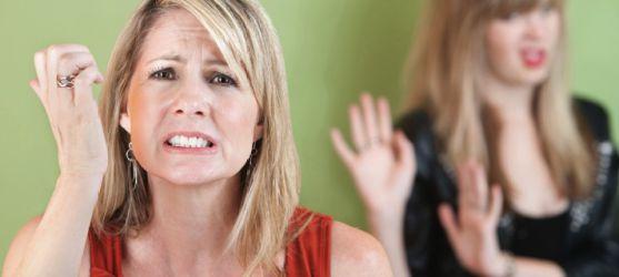 Іноді жінку мучить сумління, коли вона накричить на свою дитину або багато працює і витрачає достатньо часу на сім'ю. Тоді виникає комплекс