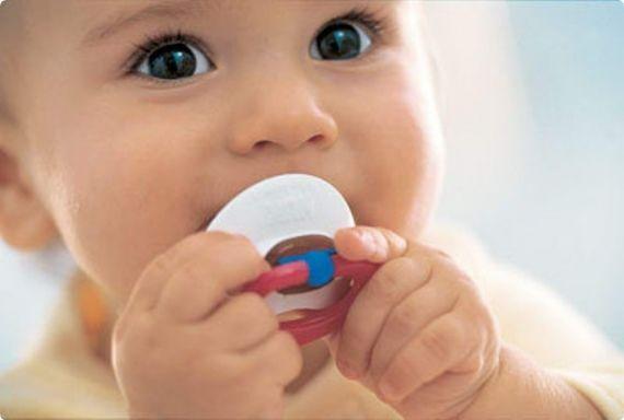 Американські медики шоковані новими результатами своїх досліджень: як виявилося, пустушки не такі вже й безпечні, як думають молоді батьки. Згідно з н