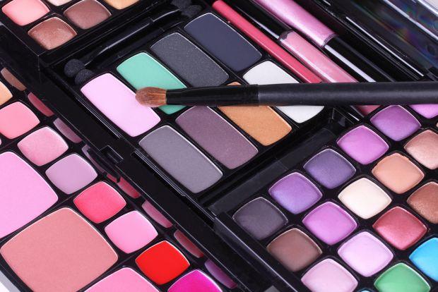 Лондонські офтальмологи вияснили, що саме макіяж рятує багатьох жінок від інфекцій.