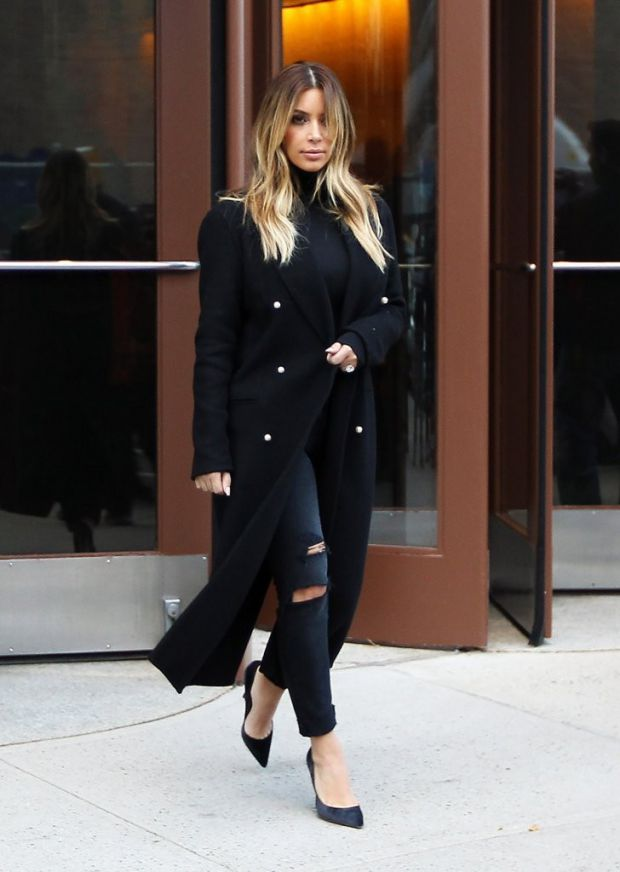 kim_kardashian_leaving.jpg