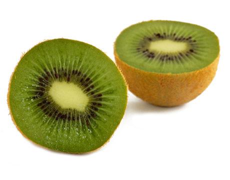 Ківі - дуже корисний фрукт для вагітної жінки. Крім того, цей фрукт чудово виводить холестерин з організму, поліпшує обмін речовин і нормалізує процес
