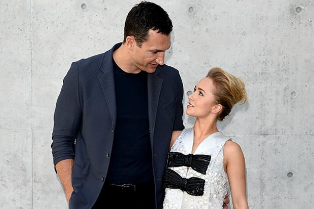 Актриса та наречена Володимира Кличка зайнялась благодійністю. Повідомляє сайт Наша мама.