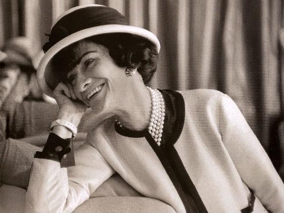 Жінка, яка перевернула світ моди, видатний французький кутюр'є і історія її життя.