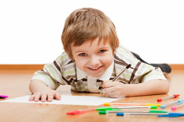 Не варто поспішати, а також спочатку підготуйте дитину до письма правильно! Повідомляє сайт Наша мама.