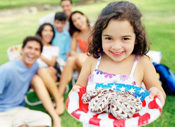 8 липня в Україні святкують день родини. Ми поговоримо про значення святкування у сім'ї.