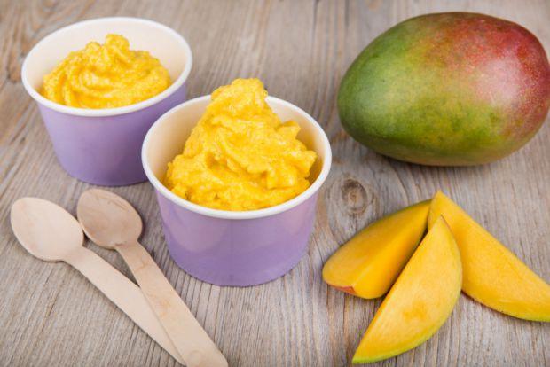 Зараз також почався сезон манго. Вартість фрукта від 20 грн за штуку (для порівняння взимку ціна починалася від 50 грн за штуку). Повідомляє сайт Наша