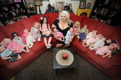 marilyn-mansfield-dolls-1.jpg