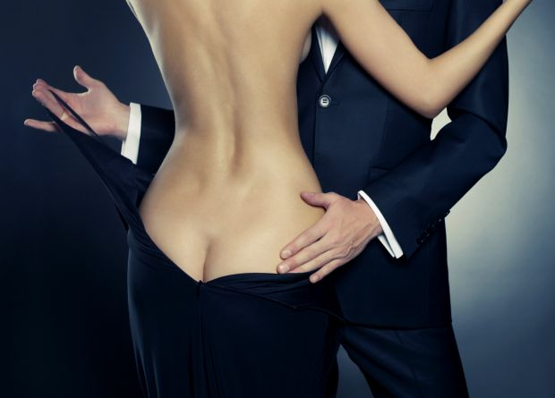 Медики із Ноттінгемського університету дійшли висновку, що статеві гормони, які відповідають за посилений статевий потяг в молодості, можуть
