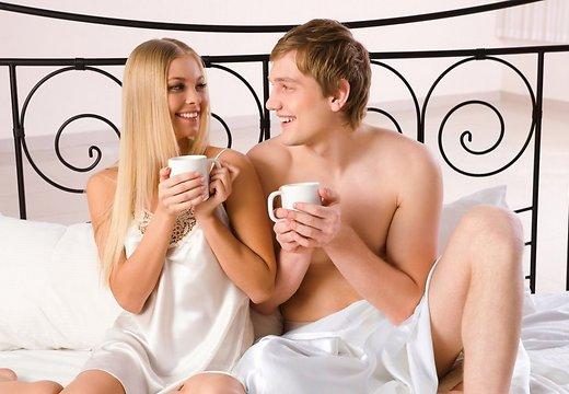 naine-mees-voodi-seks-armastus-romantika-paarike-suhted-armunud-voodi-65912526.jpg (39.26 Kb)