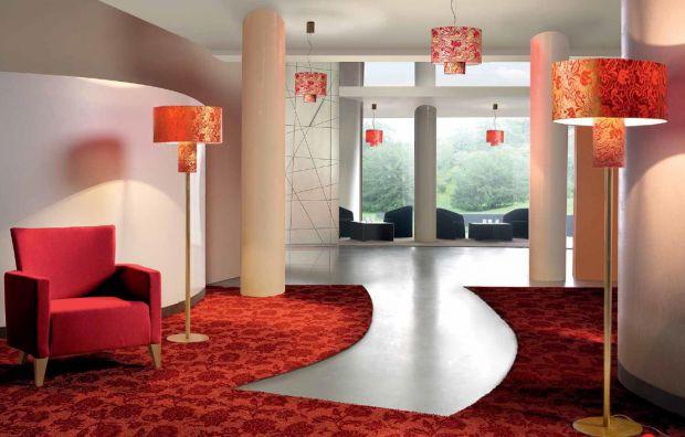 Торшеры являются неотъемлемой частью интерьера. Подобные лампы создают домашнюю атмосферу, связанную со спокойствием и счастьем. Как и у любых осветит