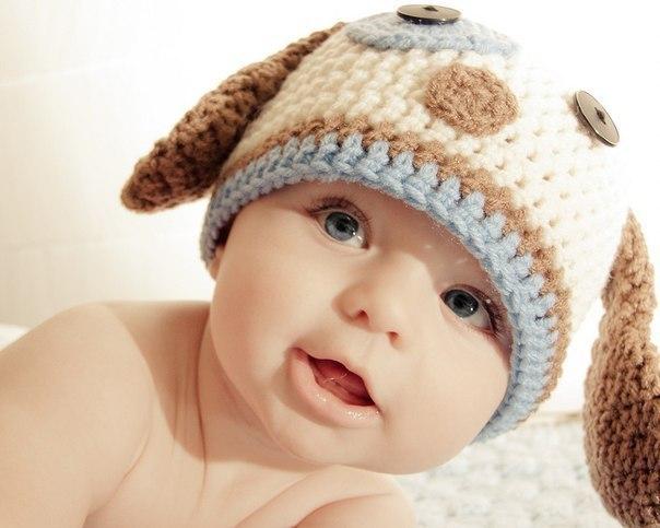 Шапочка для новонароджених - це щось дуже тендітне, виплекане материнською любов'ю та чеканням свого найбільшого і поки ще зовсім маленького дива.