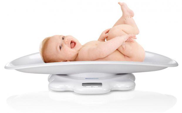 Вес новорожденного человека – это самый главный показатель его здоровья. Эти цифры будут первым, что вы узнаете о вашем малыше и запомните на всю жизн