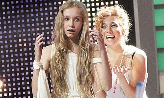 Вже наступного року донька популярної телеведучої Сніжани Єгорової Олександра буде самостійно жити в Америці. Зіркова мама вирішила відправити свою 1
