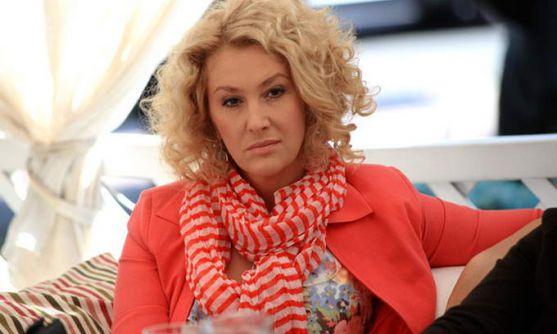 Відома українська телеведуча Сніжана Єгорова наразі відчуває себе дуже щасливою. Вона давно хотіла виїхати з України в Сполучені Штати Америки, і ось