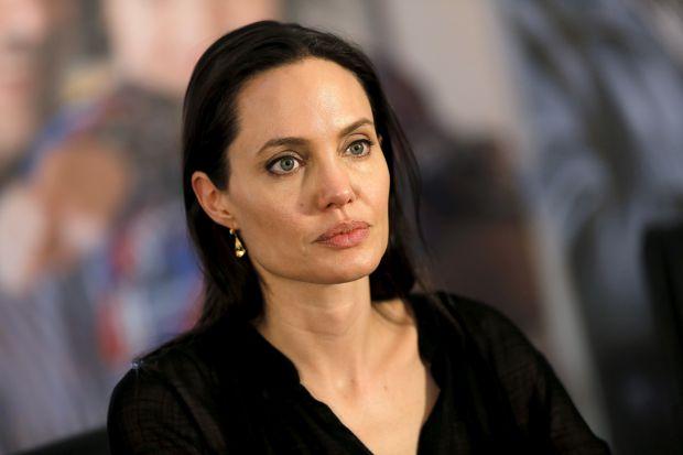 Схоже, актриса старається все більше часу приділяти дітям, повідомляє сайт Наша мама.