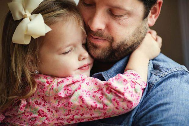 Психологи помітили цікаву особливість батьків – вони завжди вважають своїх дітей меншими в плані фізичних показників, ніж ті є насправді, поки в сім'ї