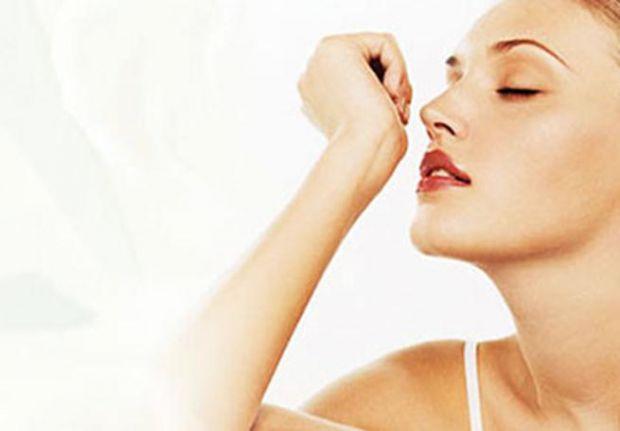 Шведські вчені дійшли висновку, що люди здатні відчувати запах, що йде від хворого.