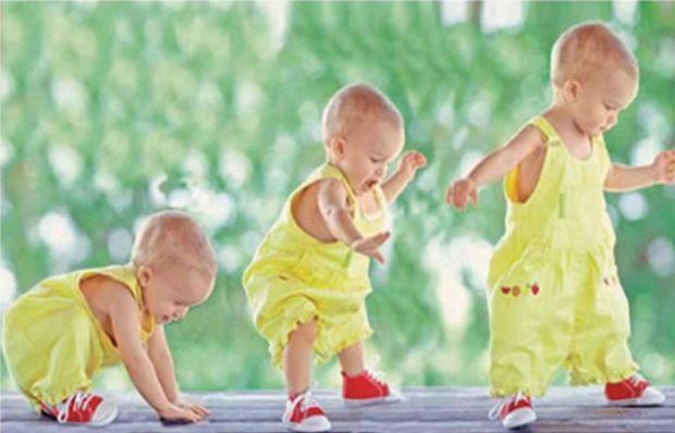 Як допомогти дитинці скоро встати на ножки?По-перше, відмовтеся від ходунків! Вони не лише шкодять поставі дитини, а й значно відтягують момент, коли